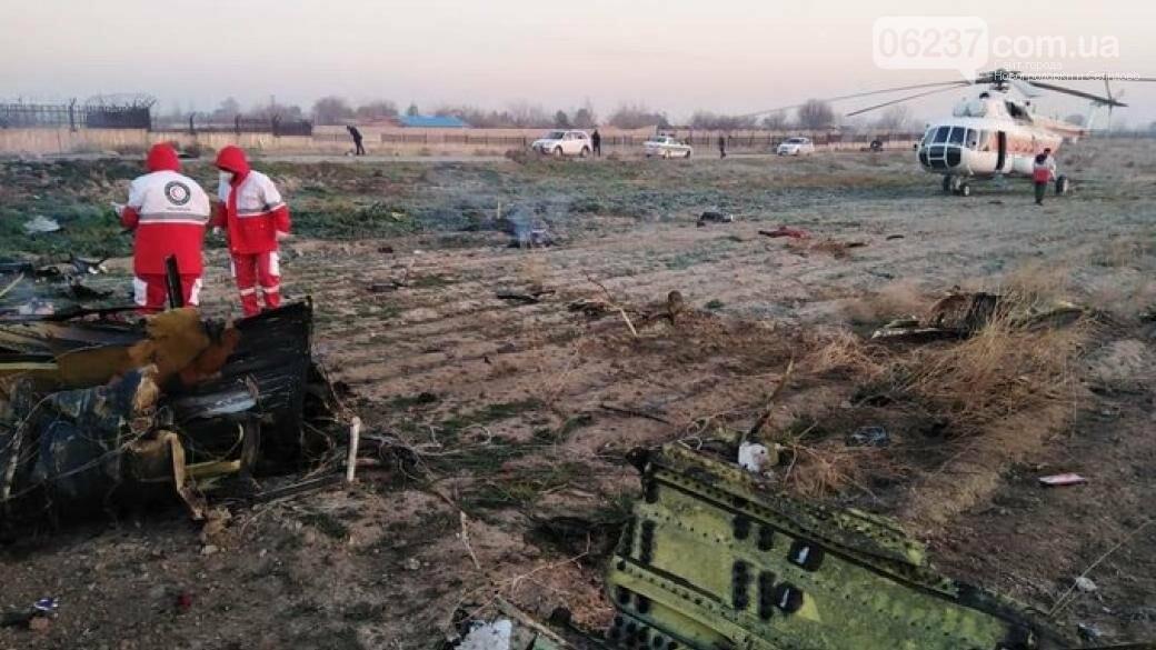 Украина решает вопрос о безопасной транспортировке тел погибших украинцев, фото-1