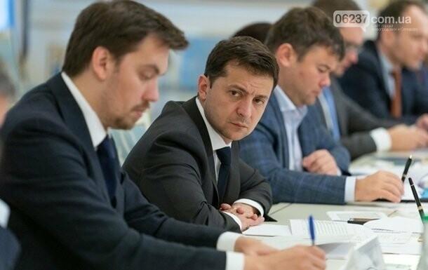 Гончарук сейчас нужен Украине – Зеленский, фото-1