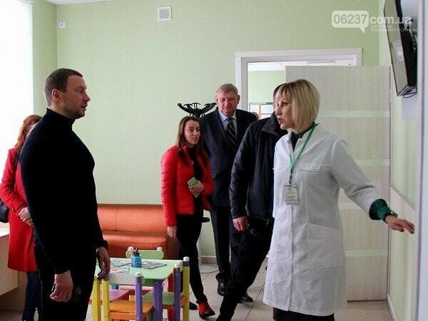 Глава Донетчины проинспектировал амбулаторию в Селидово, фото-1