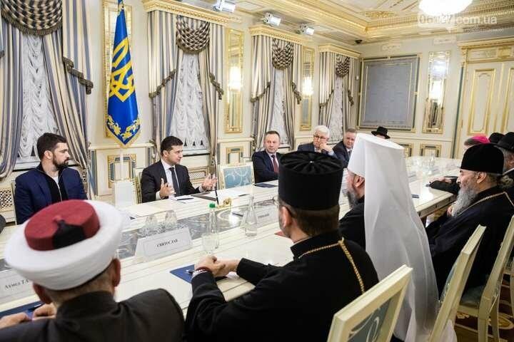 Президент призвал проводить богослужения онлайн, фото-1
