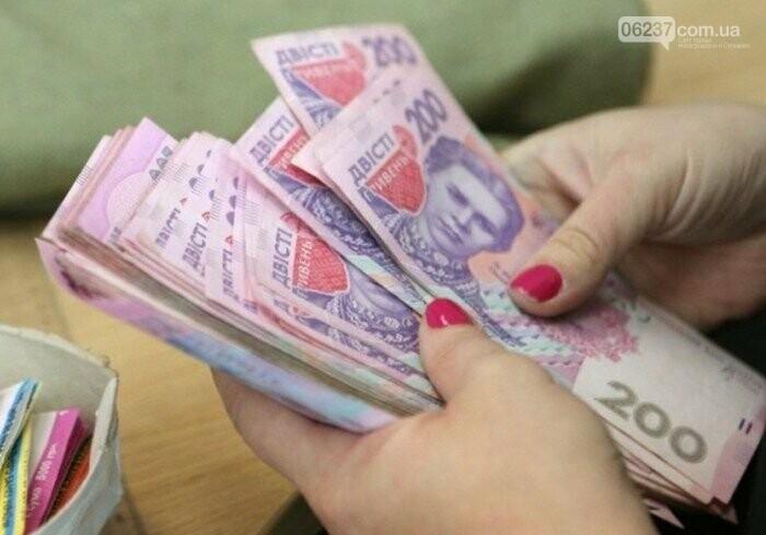В Минсоцполитики рассказали, когда все пенсионеры получат 1000 гривен надбавки, фото-1