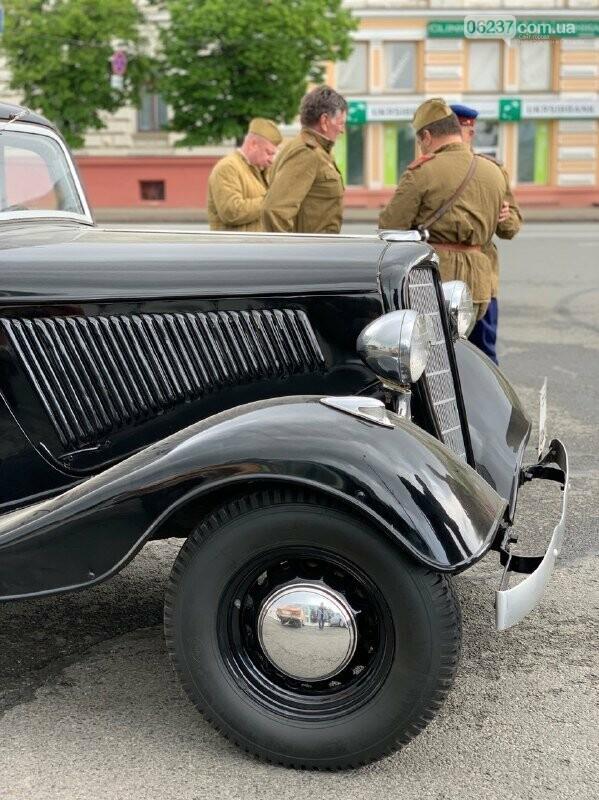 «Без масок и дистанции»: в Харькове, несмотря на карантин, устроили мероприятие ко Дню Победы, фото-1