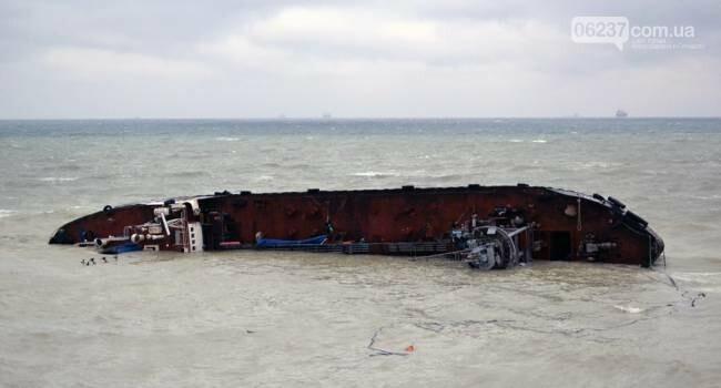 Зеленский поручил до 20 июля достать затонувший танкер Delfi в Одессе, фото-1