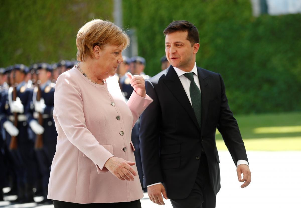 Зеленский и Меркель обсудили ситуацию на Донбассе